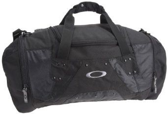 Oakley Mens Carry Duffel Bags http://www.makebeautylife.com/caboodles-flawless-makeup-train-case.html