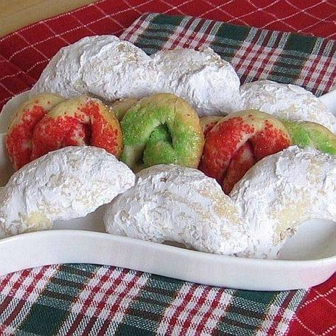 Polish Christmas Cookie Recipes--my husband's family is Polish.  Maybe I'll make some Polish cookies this year.  Most are made with almond flavor which he doesn't like.  I hope vanilla will do.