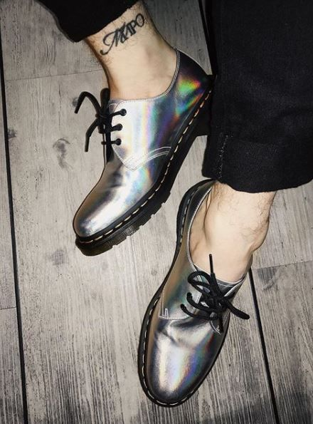 8438eec3e74c3 DR MARTENS 1461 Iced Metallic in 2019 | yes pleasee!! | Doc martens outfit, Dr  martens outfit, Shoes