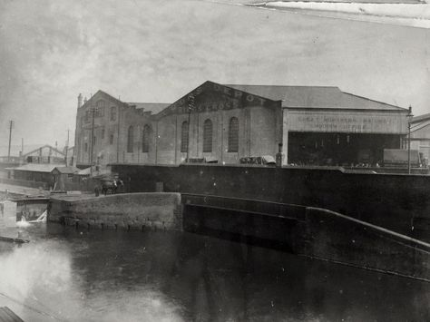 """Caption: """"Great Northern Railway Goods Depot at Kings Cross on the Regent's Canal"""""""
