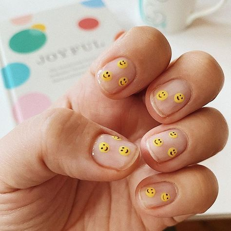 January nails by 😊 (I need at least 25 smiley faces staring at me everyday to get me through) P. Inspired by… Aztec Nails, Chevron Nails, Nautical Nails, Nail Pops, Colorful Nail Art, Nail Art Pictures, Minimalist Nails, Smileys, Diy Nail Designs