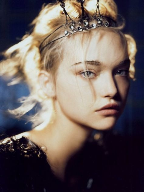 Gemma Ward in Vogue India October 2007 by Patrick Demarchelier