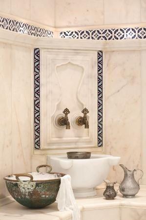 Turkish Bathroom Design Hamam Taps Turkish Floral Tiles Ottoman Decor Otel Ic Mekanlari Luks Banyolar Banyo Ic Dekorasyonu