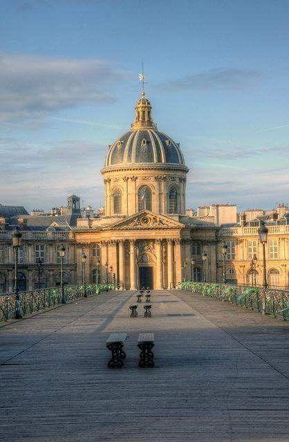 L Institut De France Ile De France Pont Des Arts