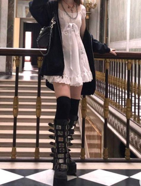 Adrette Outfits, Outfits Casual, Retro Outfits, Fashion Outfits, Cute Grunge Outfits, Pastel Goth Outfits, Gothic Outfits, Aesthetic Grunge Outfit, Aesthetic Fashion