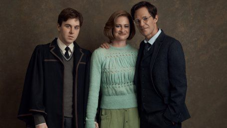 Harry Potter And The Cursed Child 22 Magical Photos Das Verwunschene Kind Kinder Harry Potter