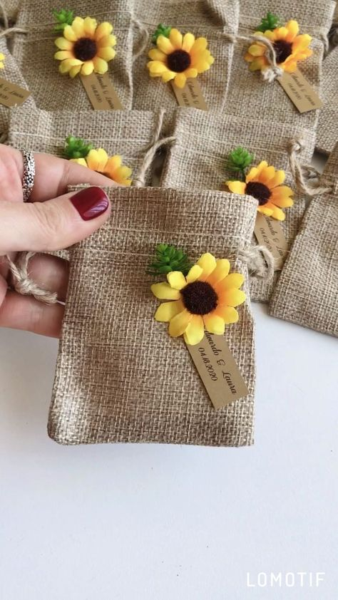 Set of 10 personalized wedding gift for guests sunflower wedding gift burlap favor bags rustic wedding burlap bags favor sunflower party 35 pretty and bright sunflower wedding ideas Wedding Favors And Gifts, Inexpensive Wedding Favors, Rustic Wedding Favors, Personalized Wedding Gifts, Burlap Wedding Favors, Wedding Ideas, Wedding Favor Bags, Wedding Set, Wedding Gift Hampers