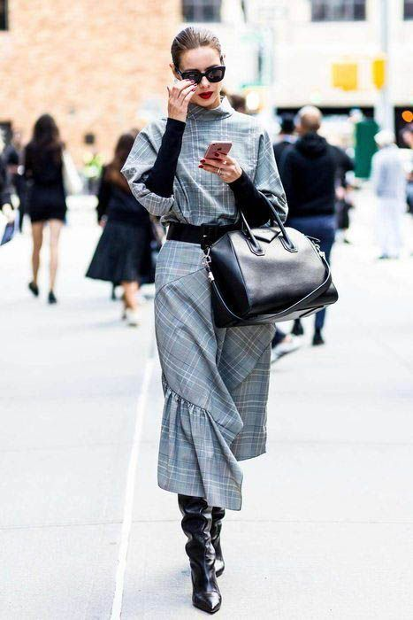 40+ Fall Street Style Outfits to Inspire-  #Fall #Inspire #Outfits #Street #Style-    Fall street style fashion / Fashion week #fashionweek #fashion #womensfashion #streetstyle #ootd