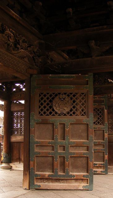Japanese Door By Gino Chao On 面具 Gorgeous Doors Architecture