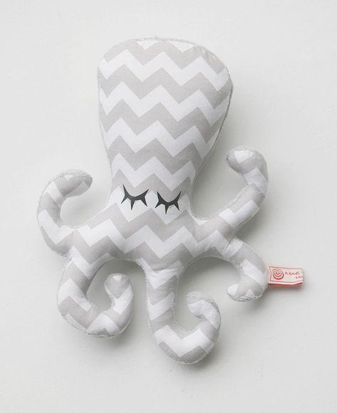 Peluche Hochet Pieuvre Poulpy tons gris clair blanc à motifs graphiques chevrons style scandinave par Rang'TaChambre : Jeux, peluches, doudous par rang-ta-chambre