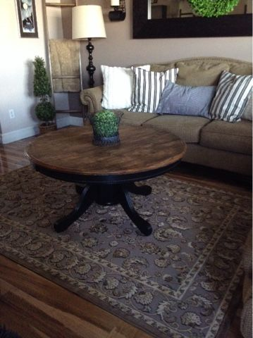 Last Weekend I Found An Oak Kitchen Table On Kijiji For 25 00 This Is It Disassembled It Even Kitchen Table Oak Round Wood Table Round Wood Coffee Table