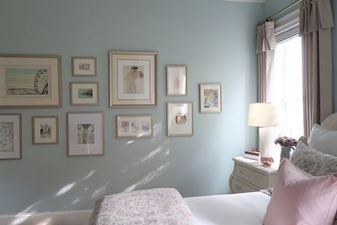 Blush and Gray are a major home decor trend this fall. See how to blend these colors together in an affordable way in my master bedroom makeover for fall. #blushandgray #colortrendfall #colortrend #masterbedroomideas #bedroommakeover #bedroomideas #porchdaydreamer