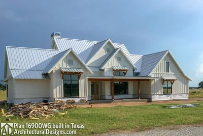 House Plan 16900wg Comes To Life In Texas Photo 027 Modern Farmhouse Plans House Plans Country Farmhouse Decor
