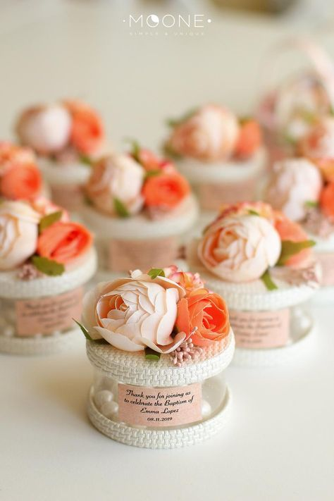10pcs Wedding Gifts for Guests, Blush Wedding Favors, Box with Candies & Flowers, Baby Shower Favors, Bridal Party Gifts, Custom Pink favors    #weddingfavors #partyfavors #babyshowerideas #bridalshower #birthdayparty #sweet16 #baptismforgirl #candy favors