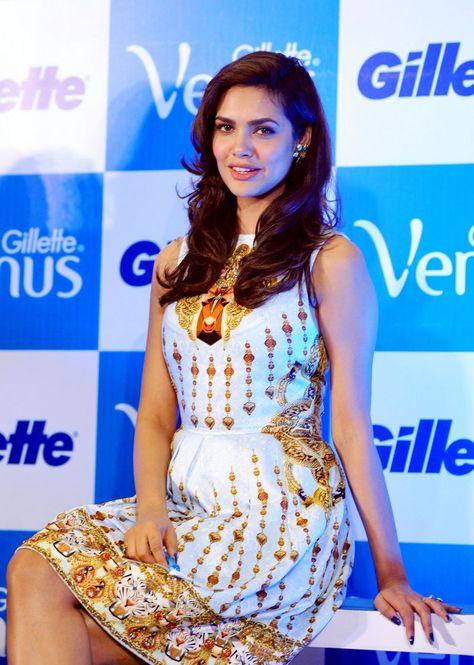 Actress Esha Gupta Latest Photos, Photo Shoot, Hot Photos.