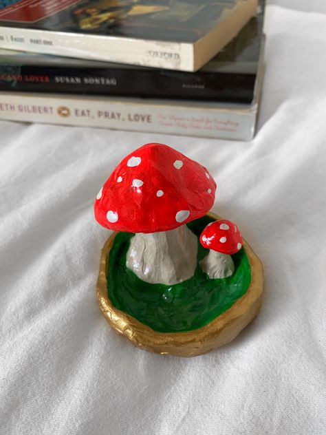 This is a Mushroom Trinket Dish I made out of polymer clay. Its listed on my Etsy shop. Ceramic Clay, Ceramic Pottery, Pottery Art, Slab Pottery, Pottery Studio, Ceramic Bowls, Polymer Clay Crafts, Diy Clay, Polymer Clay Ring