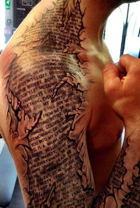 _ Monster lækker tattoo til en fyr!