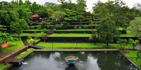 Taman Narmada Lombok Tempat Wisata Di Bali Dan Lombok