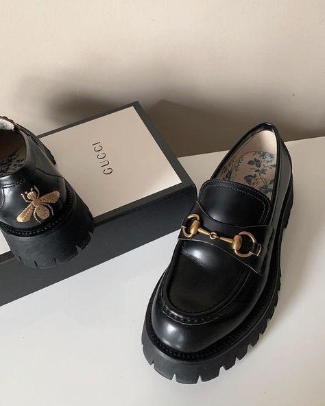 Dr Shoes, Hype Shoes, Sock Shoes, Me Too Shoes, Shoes Heels Pumps, Sneakers Mode, Sneakers Fashion, Fashion Shoes, Color Fashion