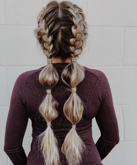 9 Bubble Braids That'll Have You Reaching for Your Hair Ties - Brit + Co für dünnes Haar lang Athletic Hairstyles, Softball Hairstyles, Sporty Hairstyles, Braided Ponytail Hairstyles, Braided Hairstyles, Cool Hairstyles, Different Hairstyles, Braid Ponytail, Boy Haircuts
