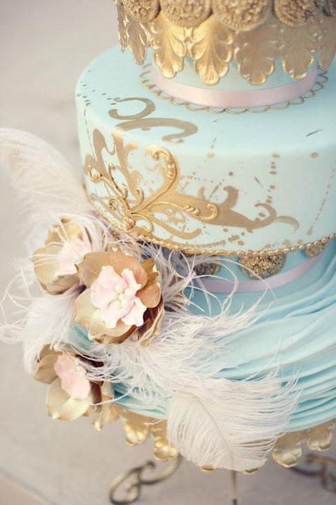 Gorgeous light blue and gold wedding cake. Photo by Beautiful Day Images. #weddingcake