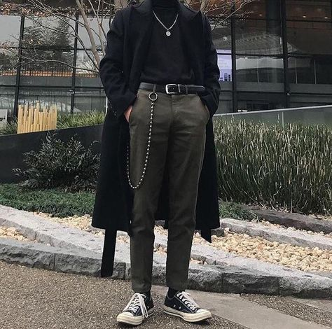 men's street style outfits for cool guys Grunge Fashion, New Fashion, Trendy Fashion, Fashion Outfits, Fashion Pants, Winter Fashion, Style Fashion, Vintage Fashion, Fashion Ideas