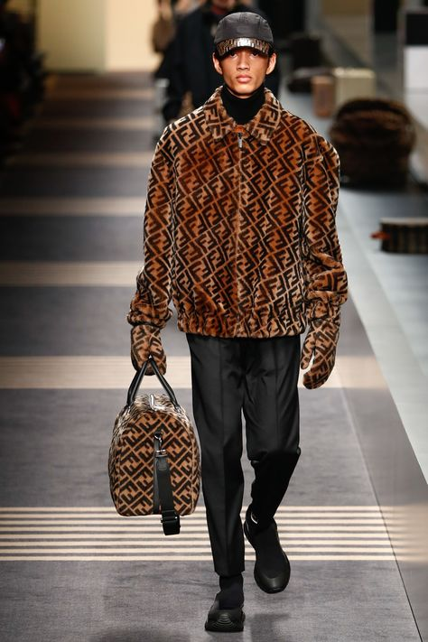 See the complete Fendi Fall 2018 Menswear collection.