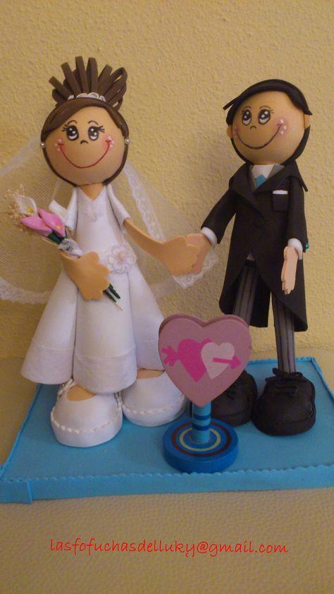Fofuchos novios pequeños - frente/Small fofucho dolls just married-front
