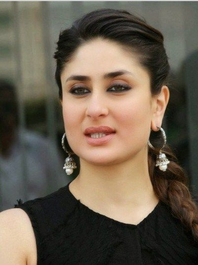 Kareena Kapoor Khan Bio Height Weight Age Boyfriend Family Starsbiopoint Over Blog Com Kareena Kapoor Kareena Kapoor Photos Kareena Kapoor Pics
