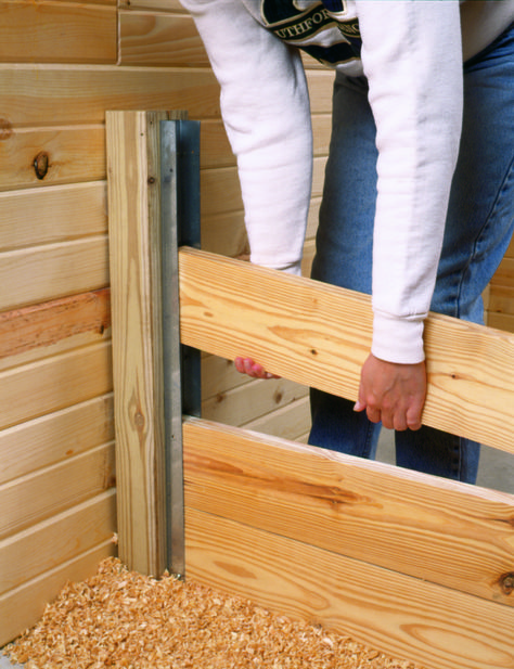 Woodworking For Beginners Painting Baseboards .Woodworking For Beginners Painting Baseboards Barn Stalls, Horse Stalls, Backyard Fences, Backyard Landscaping, Outdoor Projects, Wood Projects, Horse Barn Plans, Goat Barn, Barns Sheds