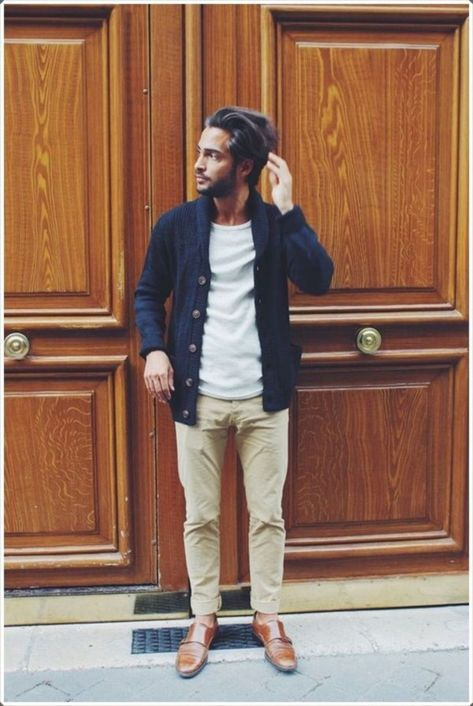 Amazing 43 Casual Winter Outfits for Men's Over 35 to Wear Everyday http://vattire.com/index.php/2019/01/03/43-casual-winter-outfits-for-mens-over-35-to-wear-everyday/
