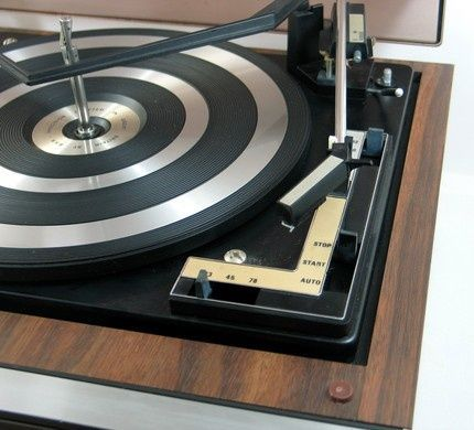 Turntable vinyl player Radio AM FM Retro Vintage stereo Soundmaster New Wood