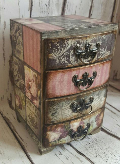 Wooden mini chest of drawers,jewellery storage, romantic roses Vintage… Decoupage Furniture, Decoupage Box, Funky Furniture, Rustic Furniture, Furniture Makeover, Painted Furniture, Decoupage Vintage, Repurposed Furniture, Furniture Projects