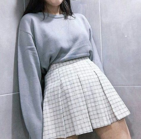 Find and save up to date fashion trends and the latest style inspiration, ootd photography and outfit looks Kawaii Fashion, Cute Fashion, Look Fashion, Pastel Fashion, Runway Fashion, Fashion Goth, Spring Fashion, Cute Casual Outfits, Pretty Outfits