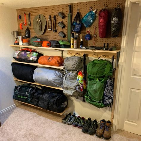 A helpful community that aims to help users make informed decisions about camping gear including sleeping systems, clothing, cooksets, and. Garage House, Diy Garage, Garage Organization, Garage Storage, Camping Storage, Camping Gear, Bushcraft Camping, Camping Tools, Backpacking Gear