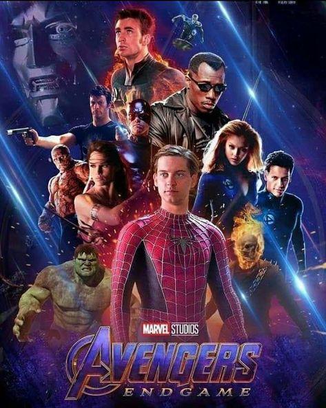 Em quanto isso em outro universo. . . . . . .#deadpool #guerrainfinita #avengers #infinitywar #avengers4 #avengersultimato #vingadores #vingadoresultimato #tomholland #peterparker #homemaranha #spiderman #marvel #ucm #robertdowneyjr #ironman #homemdeferro #hulk #markruffalo #thor #chrishemsworth #avengersendgame #gavigod #marvelbrasil #marvelbr #marvelfilmes #filmesdamarvel #quadrinhos