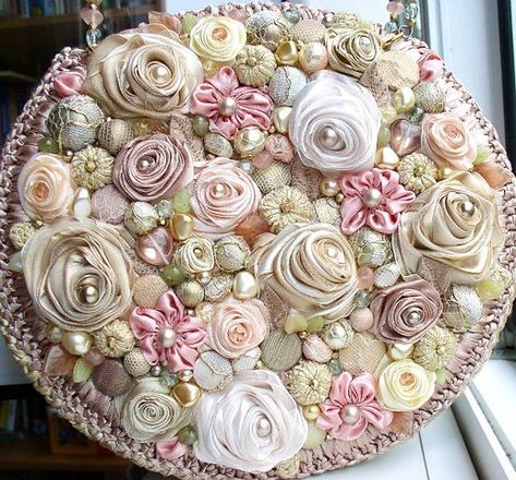 Roses and pearls!! TOP OF BOX,ONLY THIS IS TOO MUCH