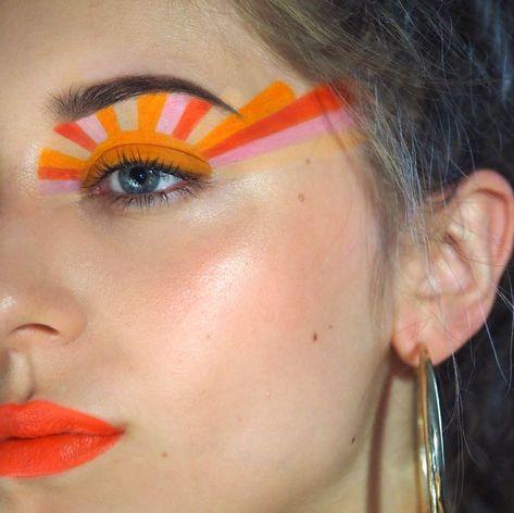 The best Halloween beauty looks for the makeup minimalist Informations About lucia perešová on Insta Retro Makeup, Goth Makeup, Sfx Makeup, Makeup Inspo, Eyeshadow Makeup, Makeup Art, Eyeliner, Makeup Ideas, Fire Makeup