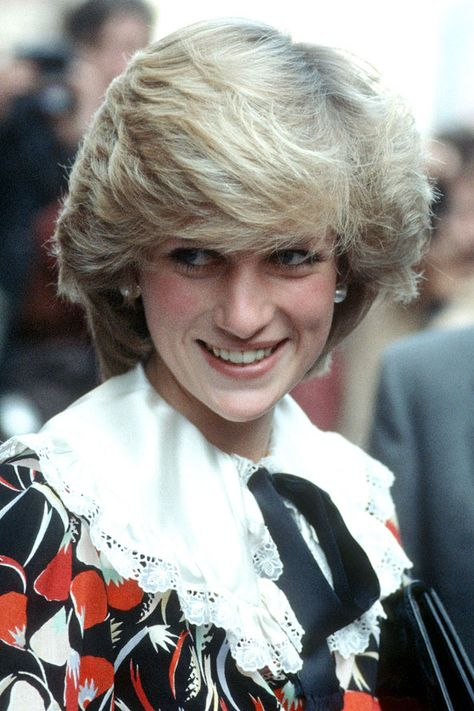 Hairstyle Princess Diana Spencer Lady Diana Haircut The Royals