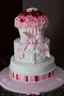 Wow! Cupcake Baptism Cake