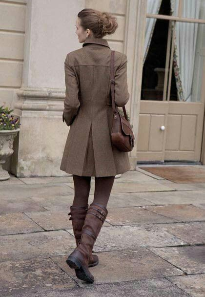nice outfit, natural feeling. could add a pop of colour though... Ylime xxx