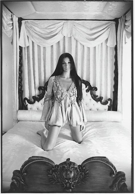 Cher on her canopy bed in August 1969 issue of Vogue magazine Bouidor Photography, Boudoir Photography Poses, Boudoir Pics, Glamour Photography, Boudoir Photo Shoot, Modeling Photography, Classy Sexy Photography, Editorial Photography, Lingerie Photography
