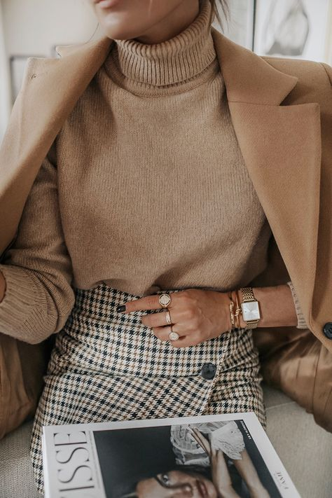 Neutral outfit fashion week street style looks to copy Classy Outfits, Fall Outfits, Casual Outfits, Cute Outfits, Cute Office Outfits, Winter Office Outfit, Formal Winter Outfits, Outfit Office, Sailor Outfits