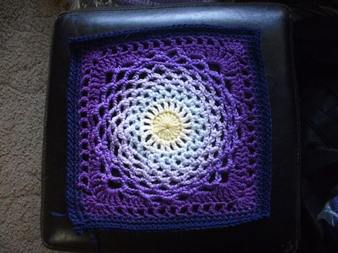 """Day 20: 12"""" Block of the Day - Dream Catcher by Sherry Welch  Free Pattern: http://www.heartmadeblessings.org/Patterns/dreamcatcher.php  Errata: http://www.craftster.org/forum/index.php?topic=215844.msg2335357#msg2335357  #TheCrochetLounge #12inch #grannysquare Pick #crochet"""