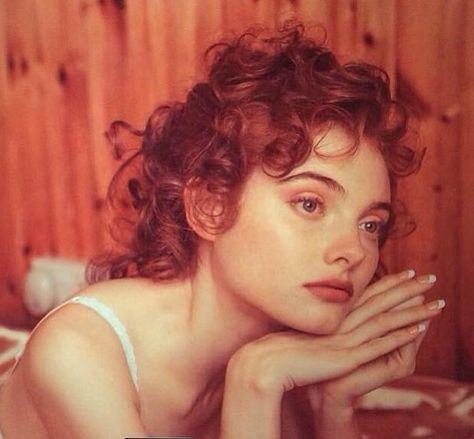 Georgie Hobday | Красивые рыжие, Прически, Портрет