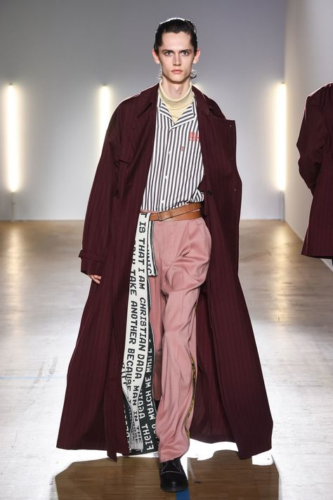 Christian Dada Fall 2018 Menswear collection, runway looks, beauty, models, and reviews.