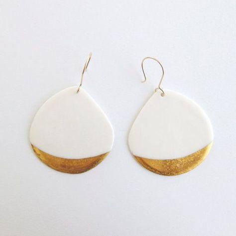 Bijou céramique - Boucles d'oreilles blanches en porcelaine, motifs doré &…