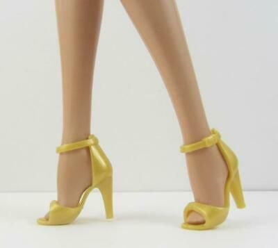BARBIE SILKSTONE /& MODELMUSE YELLOW GLITTER CLOSED TOE ANKLE STRAP DRESS SHOES