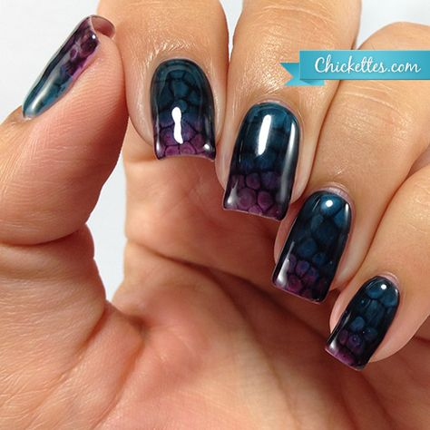 During my visit to the Gel II booth at Cosmoprof, I learned more about the Gel II Reaction collection and we talked about nail art and some of the fun things that you can do with these color changi…