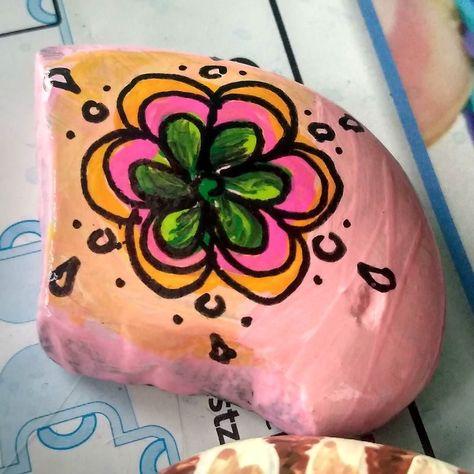 paintedrocksofinstagram #ILrockart #paintedrocks...